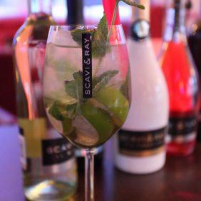 Hugo im Knutschfleck - Berlins erster Cocktailbörse - Feiere Dein Event bei uns