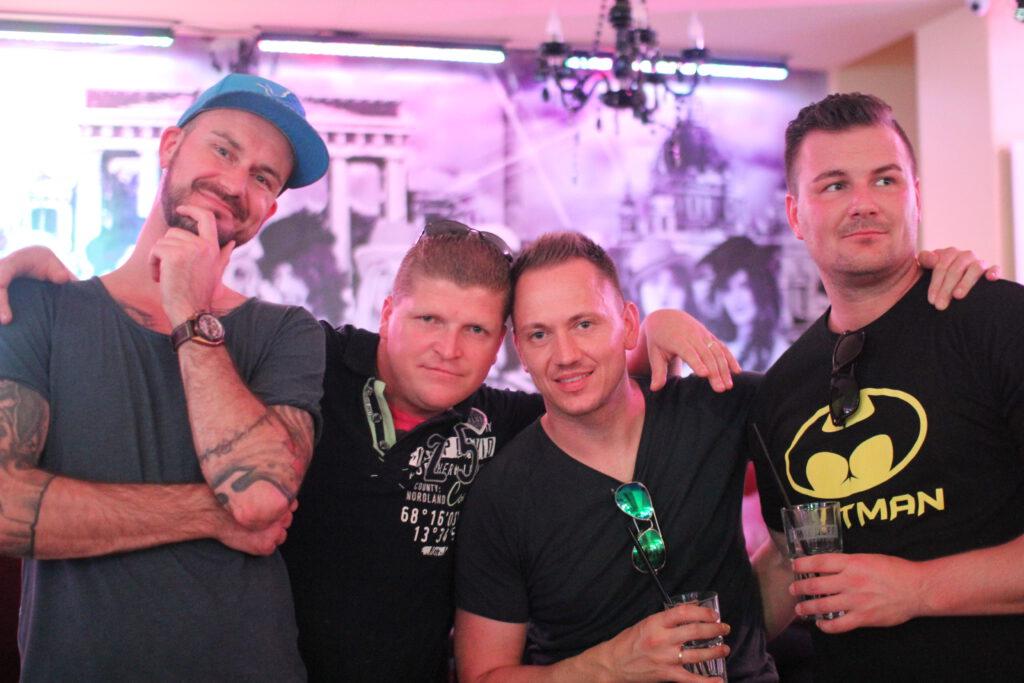 Single party berlin mitte