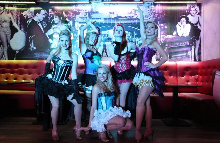 Künstler buchen Showgirls Galerie 14