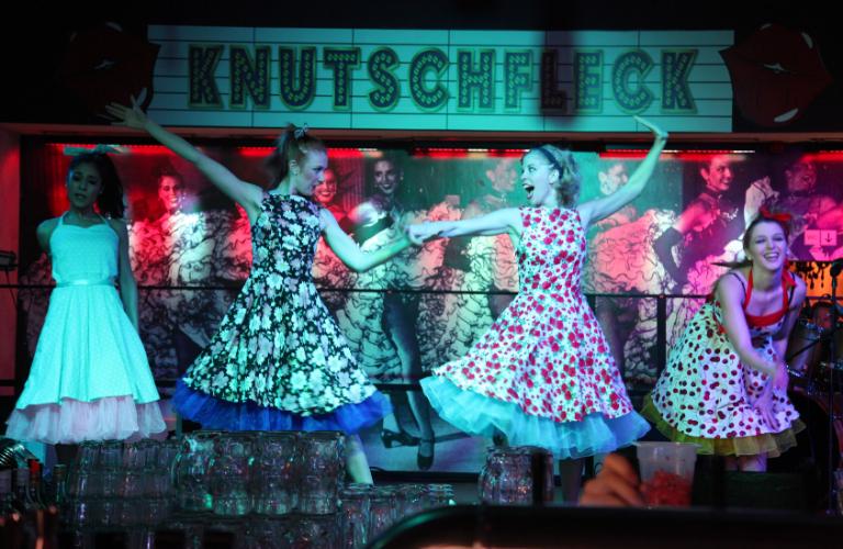 Künstler buchen Showgirls Galerie 17